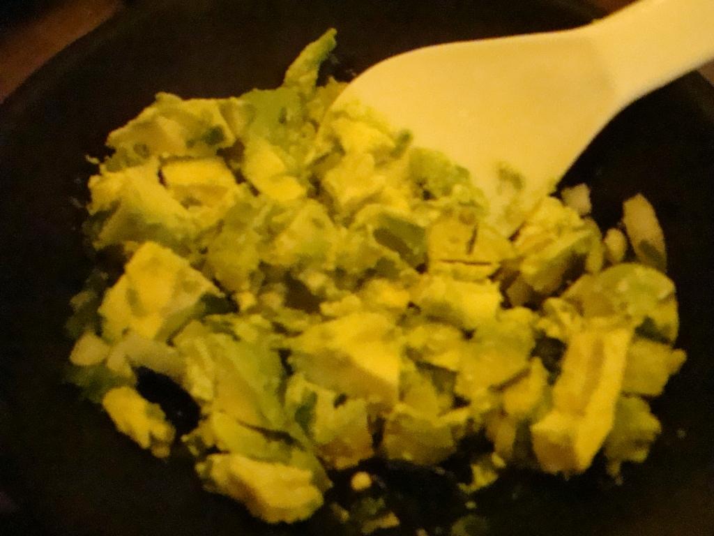 Add chopped avo